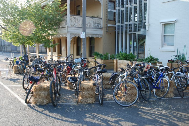 Ride to work on Wednesday 12 October and enjoy a free breakfast at The Hub Plot in Castlemaine.